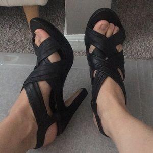 Super cute heels!